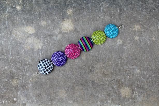 Bracelet pastilles colorées