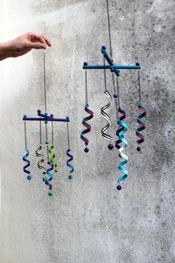 Mobiles serpentins