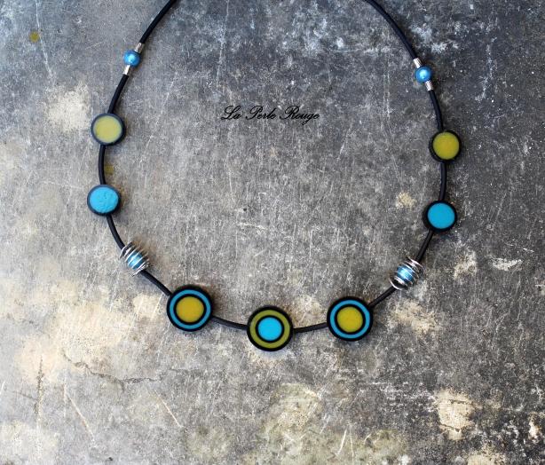 Collier cibles turquoises et jaunes