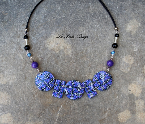 Collier mosaïque violet et turquoise