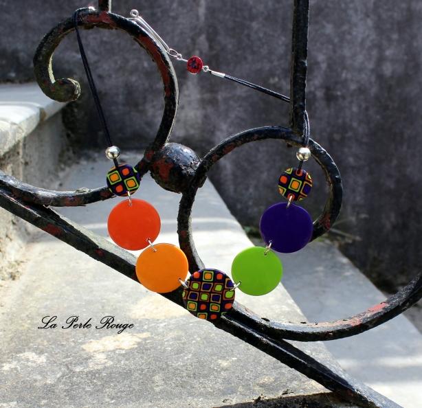 Collier pastilles orange, violet et vert