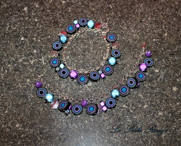 Bracelets breloques mauves et noirs